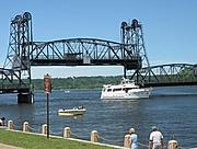 Stillwater Lift Bridge, Raised