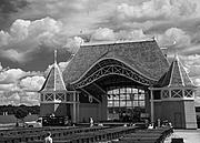 Lake Harriet Bandshell, Infrared