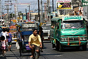 Traffic in Bacoor, Cavite�s Main Road