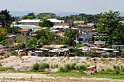 Houses along the Abacan River, Angeles City