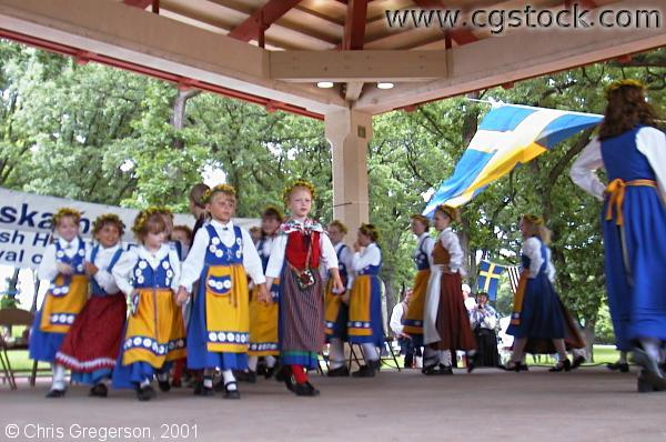 Folk Dancers at Svenskarnas Dag