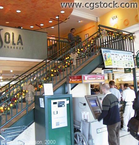 Sola Squeeze in Lunds Grocery Store