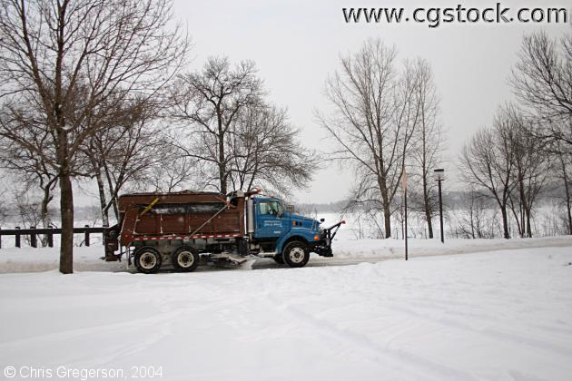 Snowplow on Parkway