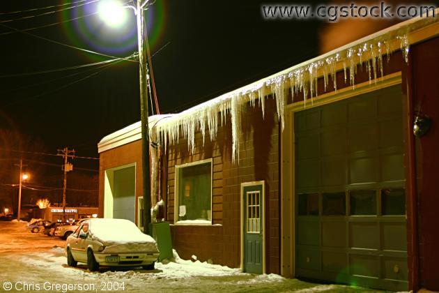 Hanging Icicles / Ice Dam on Roof