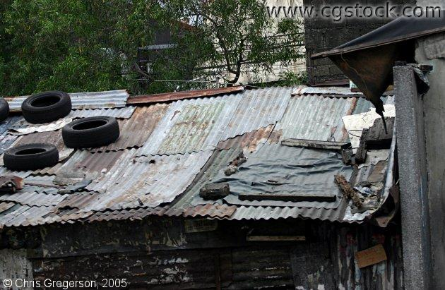 Shanty Roof made from Sheet Metal and Car Tires