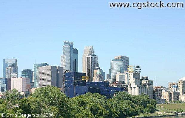 The New Guthrie Theater and the Minneapolis Skyline