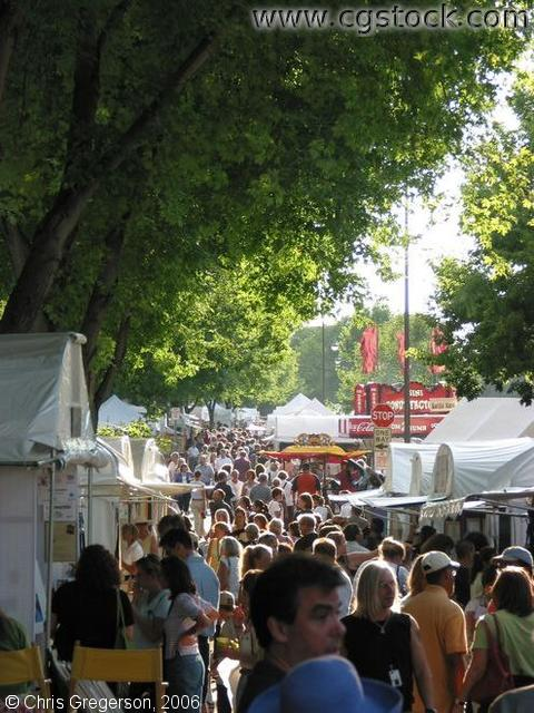 Crowd and Vendors at the Uptown Art Fair