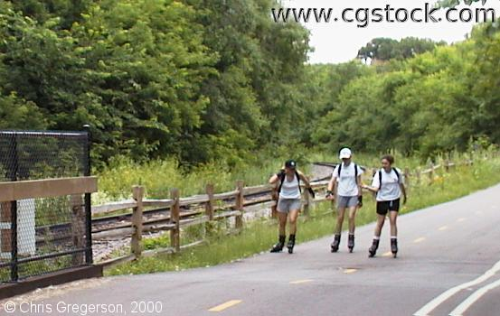 Rollerbladers on the Kenilworth Trail