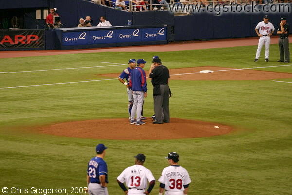 Conference on the Mound, Twins vs. Rangers, Metrodome