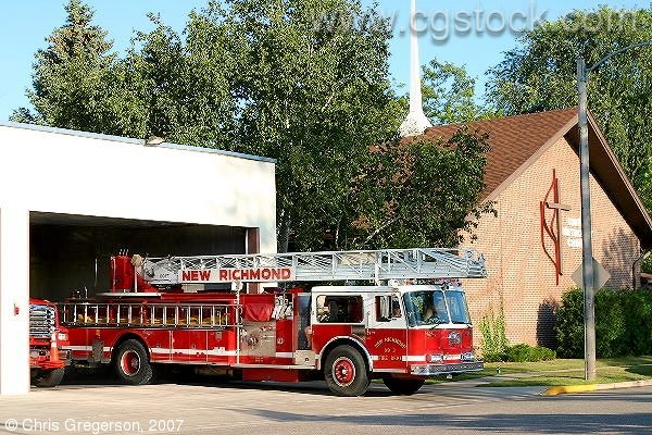 New Richmond Fire Department, Ladder Truck Leaving