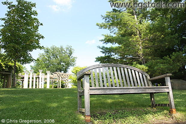 Bench at the Noerenberg Memorial Gardens