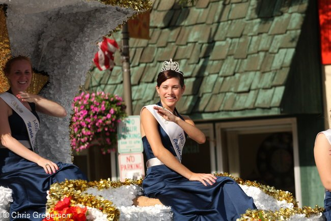 New Richmond Royalty, Fun Fest Parade